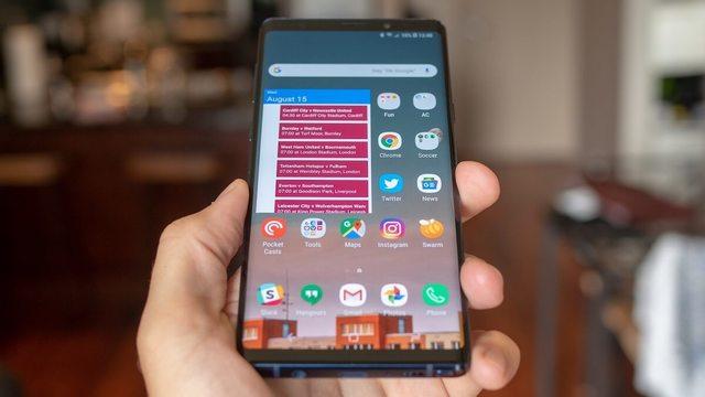 В Сети появилось еще одно фото Samsung Galaxy S10+