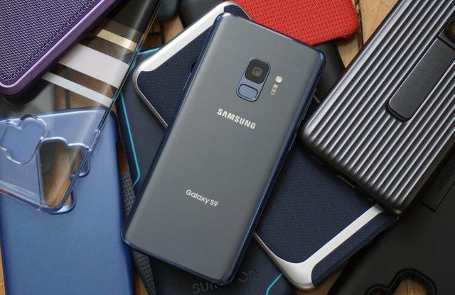 Российские ритейлеры обрушили цены на Galaxy S9 в преддверии релиза Galaxy S10