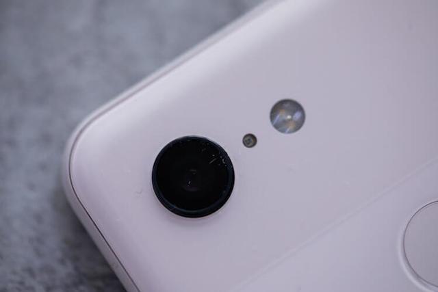 Объявлена дата начала продаж новых смартфонов Google Pixel